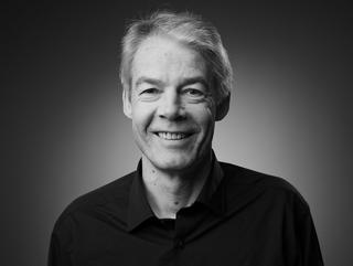 Dr Gerhard Bauer