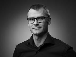 Dr Peter Hackel