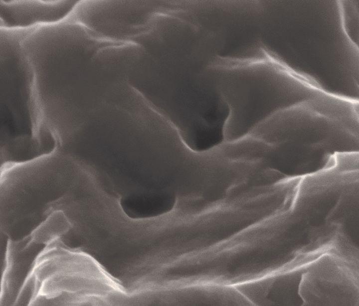 Abb. 2: SLA® Oberfläche ohne Nanostrukturen.