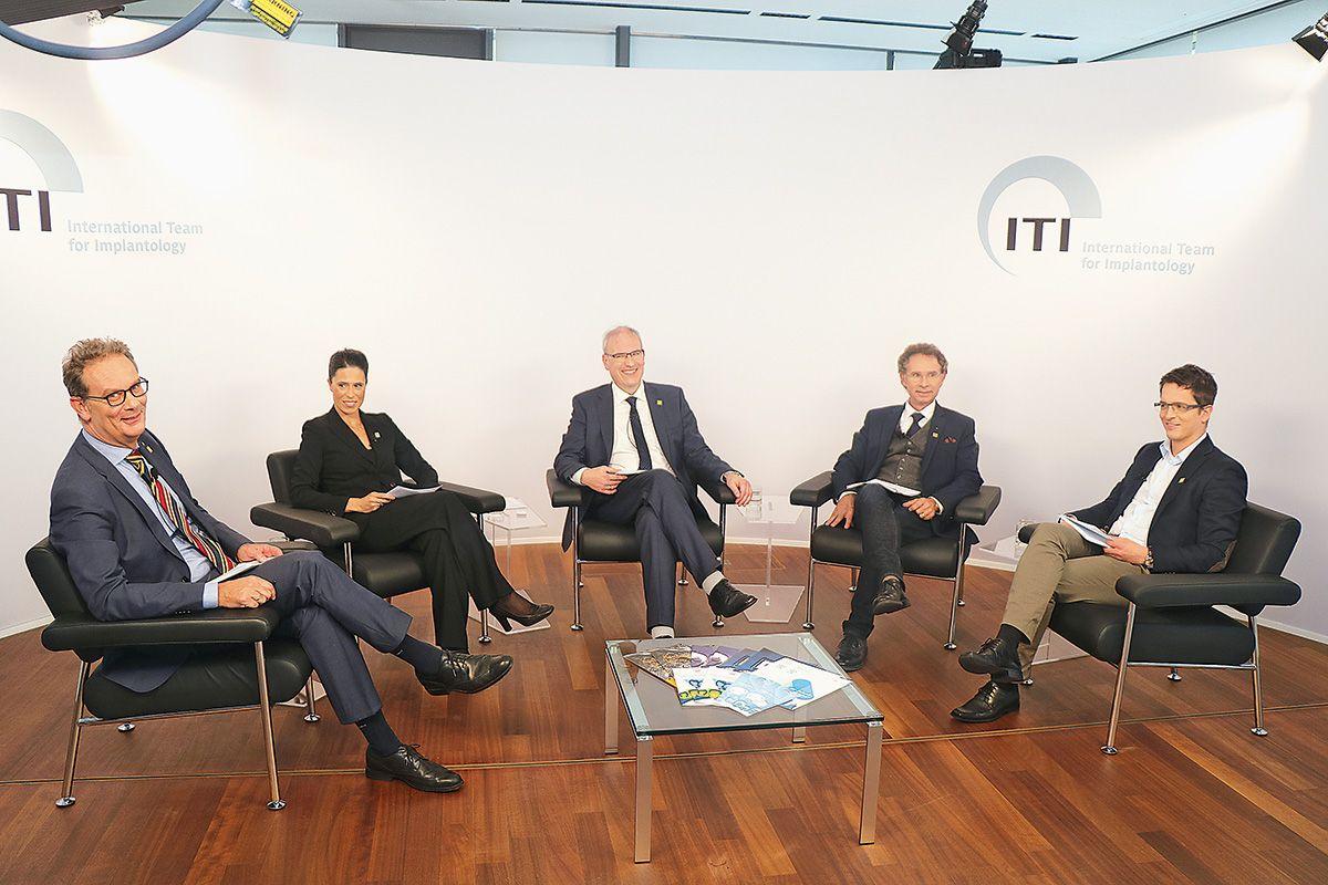 Von links: ZTM Thomas Lassen, Prof. Petra Gierthmühlen, Dr. Georg Bach, Prof. Knut Grötz, Dr. Stefan Röhling